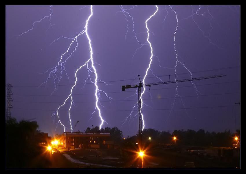 Uwaga! Deszczowo i burzowo w całym powiecie