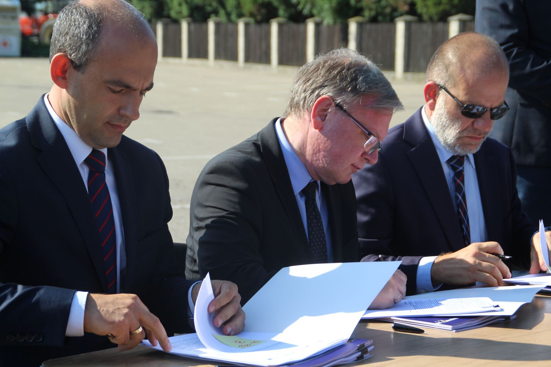 Umowa na przebudowę DW 933 podpisana, niebawem ruszą prace