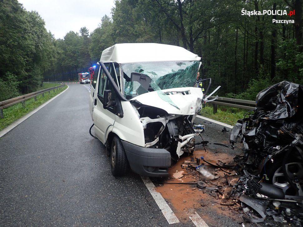 Wypadek w Kobielicach. Nie żyje 53-letni kierowca busa