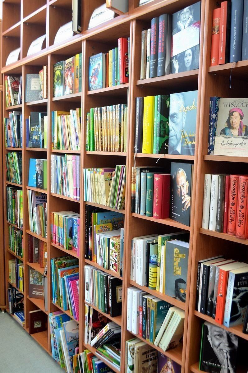 W Warszowicach znów można wypożyczać książki