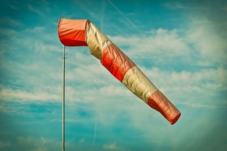 Dziś wieczorem silny wiatr. Zachowaj ostrożność!