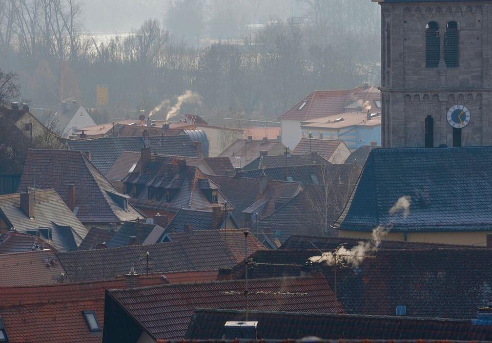 Alarm smogowy: gminy mają obowiązek przeprowadzać kontrole palenisk