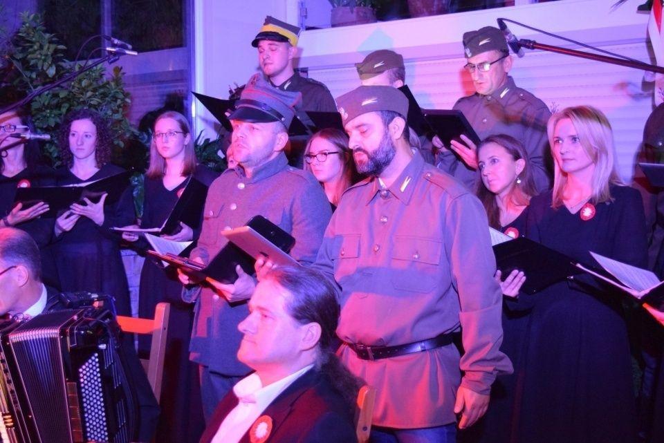 Koncert Pieśni Patriotycznej w Ogrodach Kapias