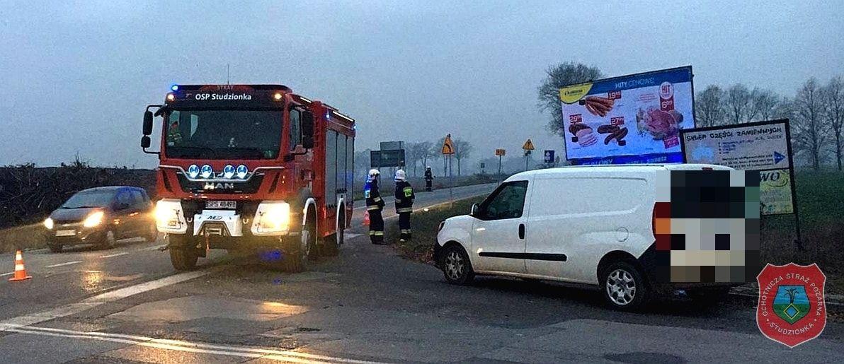 Potrącenie rowerzysty na DW933 w Mizerowie