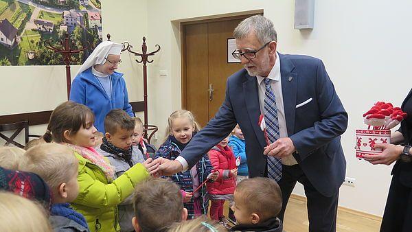Najmłodsi mieszkańcy Pawłowic złożyli wójtowi świąteczną wizytę