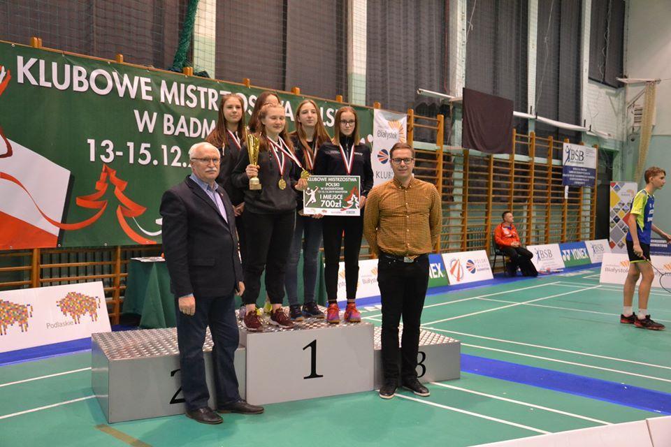 Zawodniczki UKS Plesbad Klubowymi Mistrzyniami Polski w badmintonie