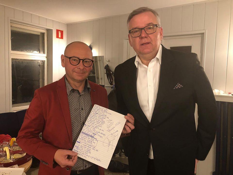 Burmistrz przekaże na licytację WOŚP rękopis piosenki Artura Andrusa