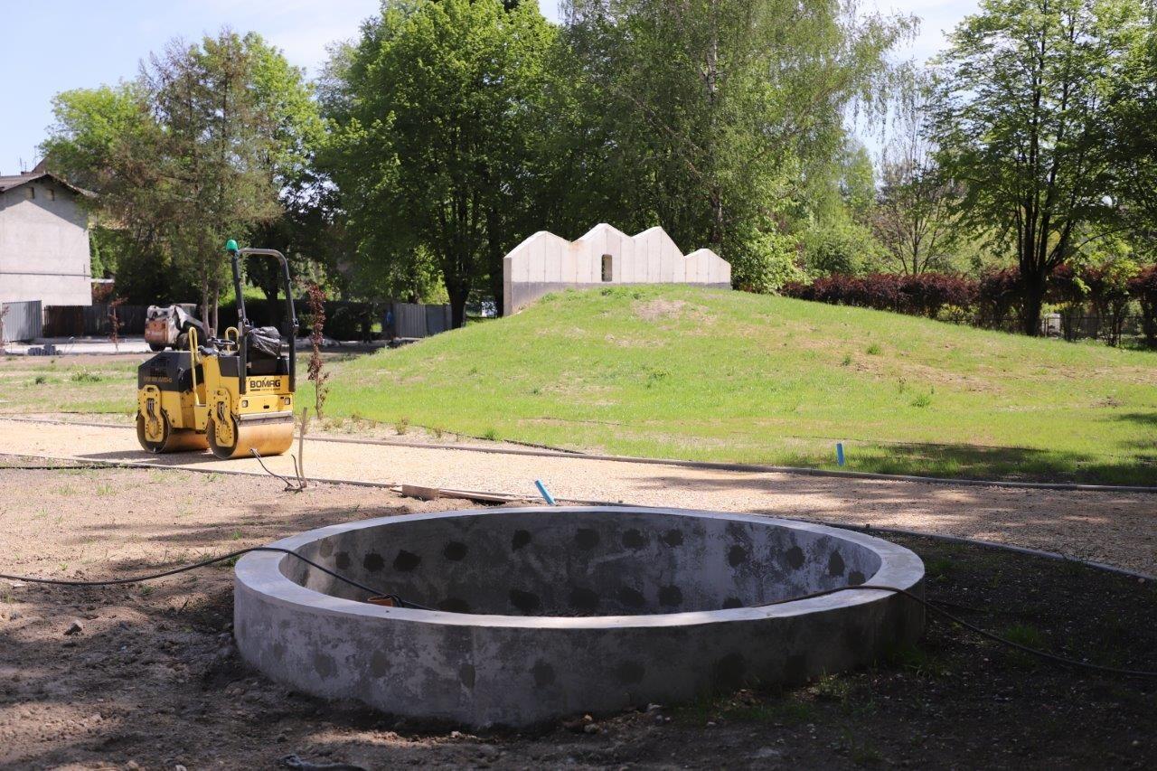 Intensywne prace wykończeniowe na terenie Wodnego Placu Zabaw