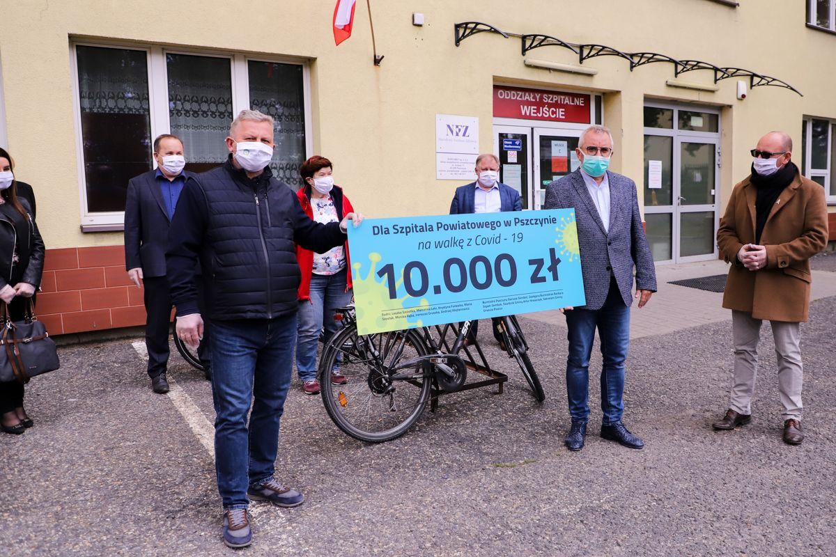 Radni i burmistrz przekazali 10 tys. zł na pszczyński szpital