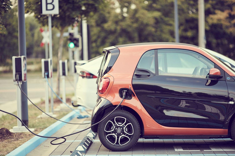Dopłaty do zakupu samochodu elektrycznego. Nawet 18 tys. złotych