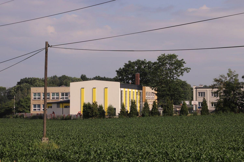 Sala gimnastyczna w Porębie na ukończeniu