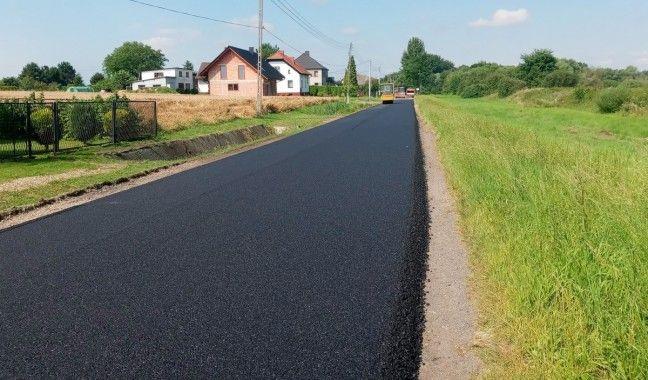 Nowa nawierzchnia na drogach w trzech sołectwach