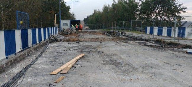 Wyburzanie płyty wiaduktu w Suszcu