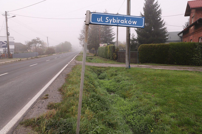 Nowe oświetlenie na Sybiraków, Studzienickiej oraz boisku w Wiśle Małej