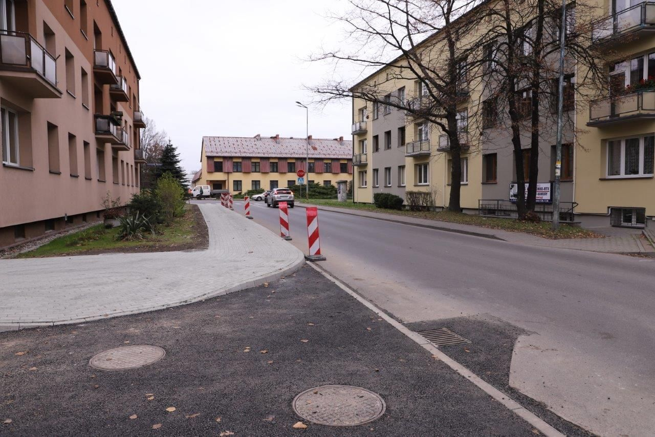 Trwa przebudowa chodnika wzdłuż ul. Jagiełły