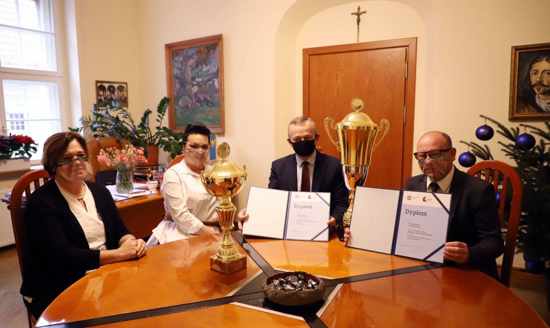 Burmistrz spotkał się z laureatami konkursu