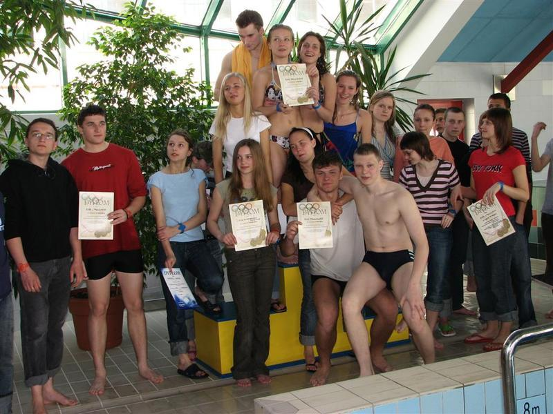 Pływanie w ramach współzawodnictwa