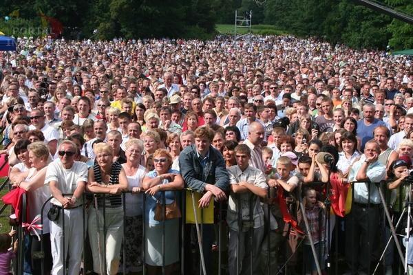 Tysiące ludzi w Pszczynie