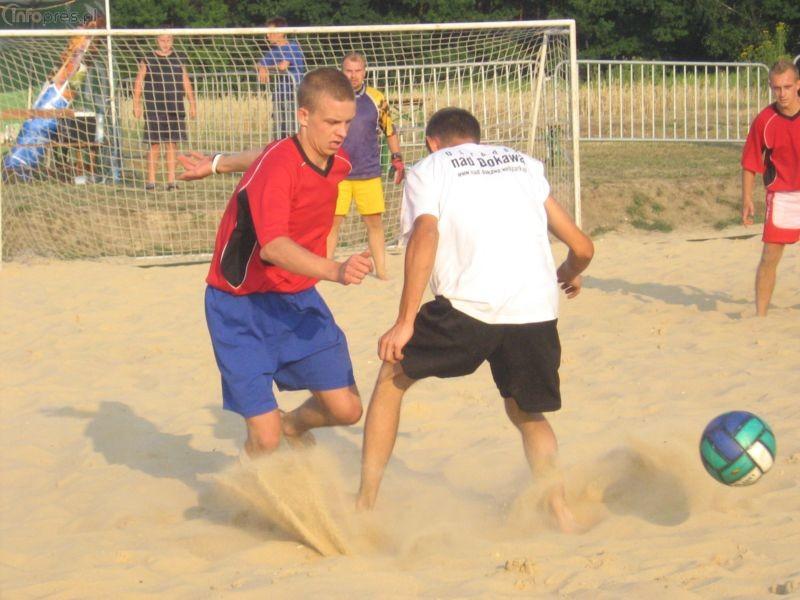 Zagraj w piłkę na piasku!
