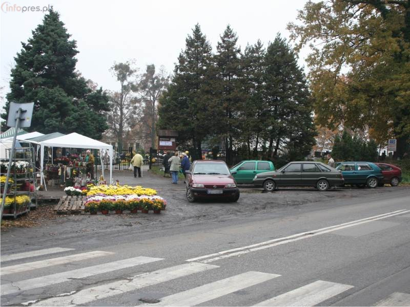 Nowa organizacja ruchu przy pszczyńskich cmentarzach