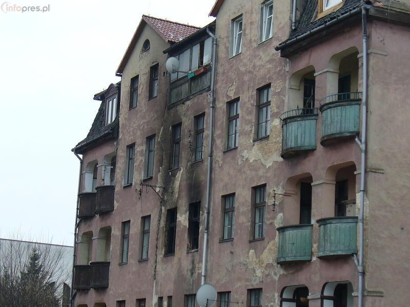 Pożar w Pszczynie: 10 osób w szpitalu, 40 ewakuowano
