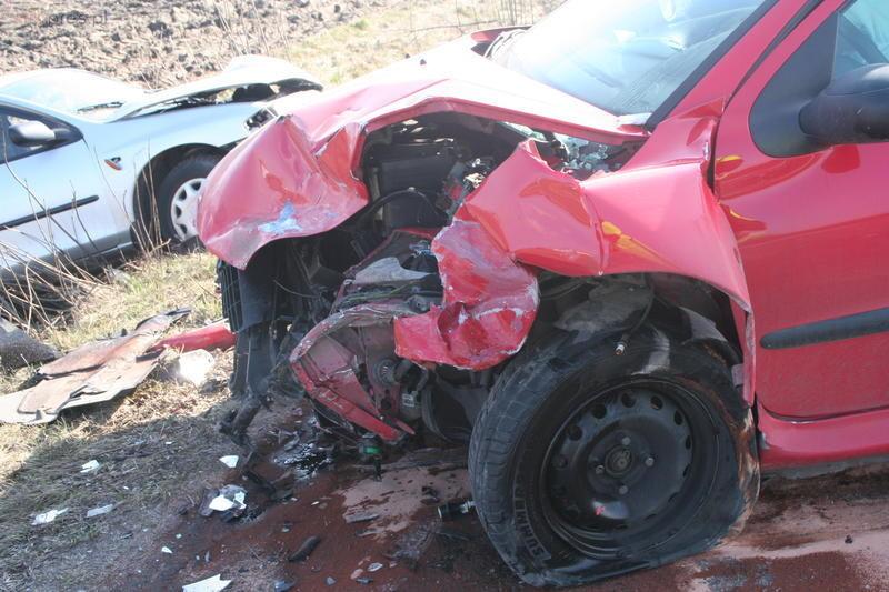 Peugeot zderzył się z mazdą
