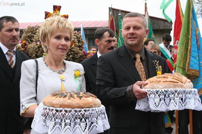 Zobacz zdjecia z gminnych Dożynek w Ćwiklicach