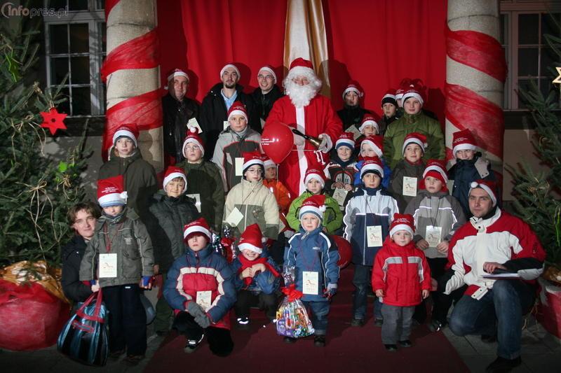 Imiennicy Mikołaja na rynku - zobacz zdjęcia