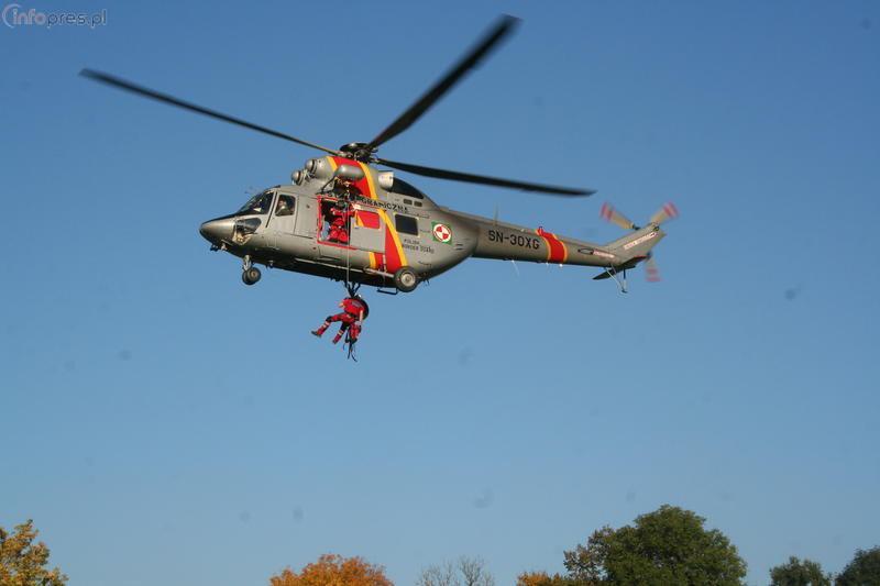 Więcej ratowników i ambulansów