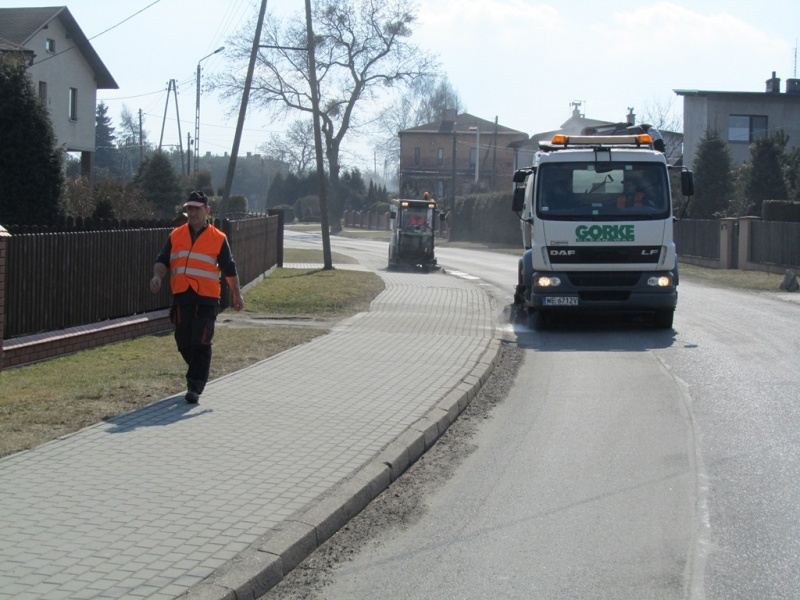 Wiosenne sprzątanie dróg