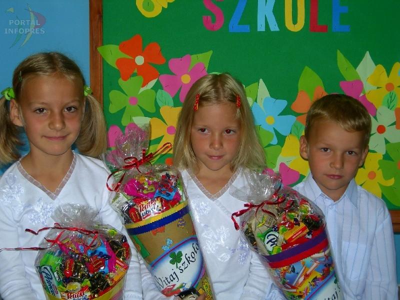 Pawłowice: trojaczki poszły do szkoły