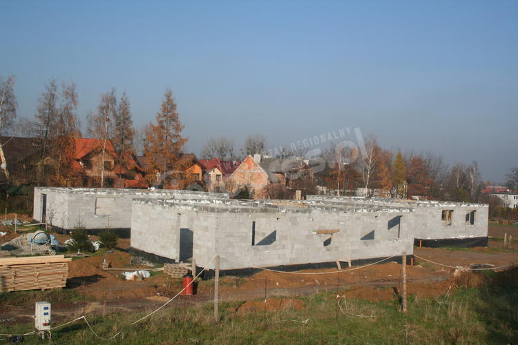 Problemy na placu budowy domu dziecka