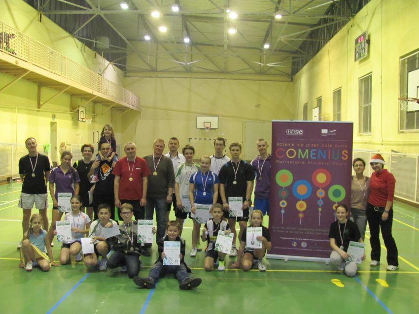 Foto-Temat: III Rodzinny Mikołajkowy Turniej Badmintona