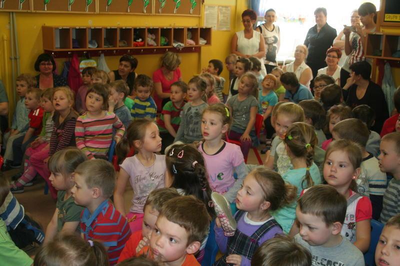 W przedszkolach wciąż ciasno