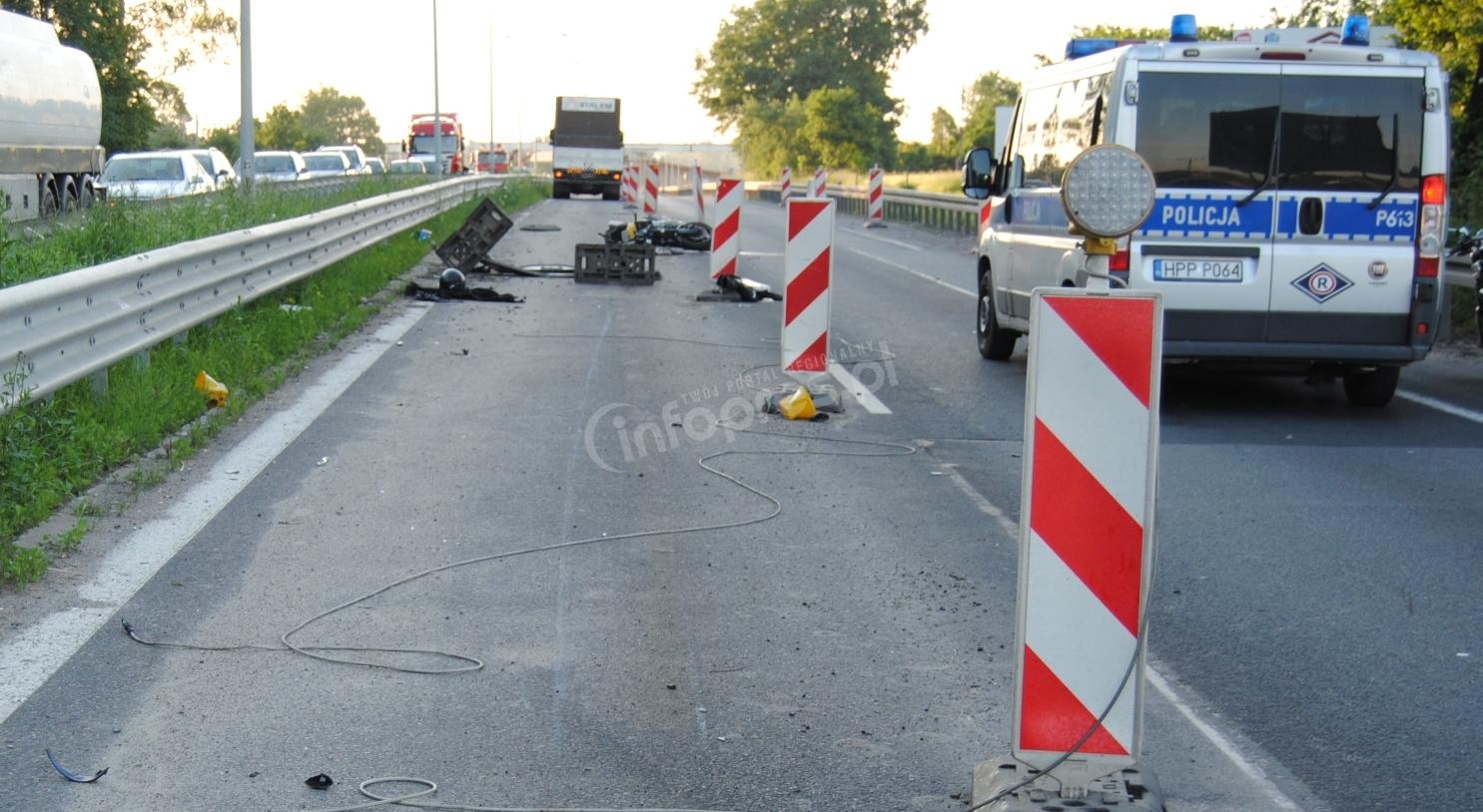 Wypadek na DK1. Motocyklista pod kołami tira