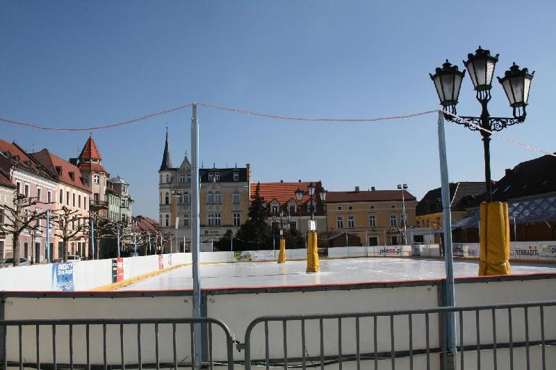Jutro otwarcie lodowiska na rynku