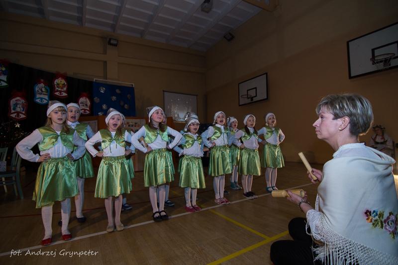 Koncert Świąteczny w Szkole Podstawowej nr 2 (foto)
