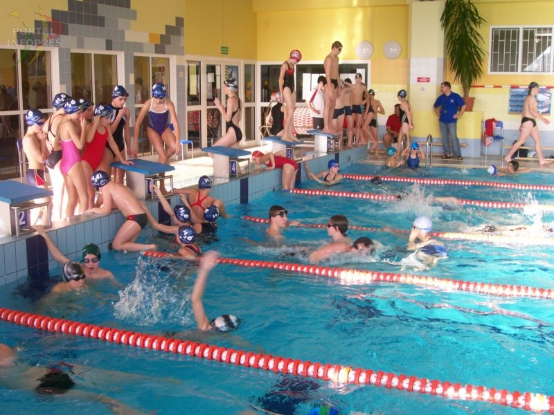 Wola: świąteczne pływanie